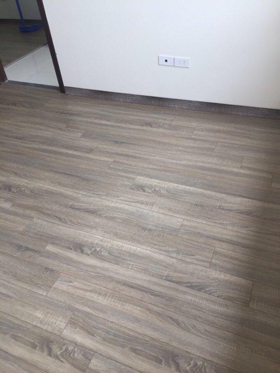 sàn nhựa hèm khóa PL5555, giá sàn nhựa hèm khóa pl5555, báo giá sàn nhựa giả gỗ cao cấp hà nội,