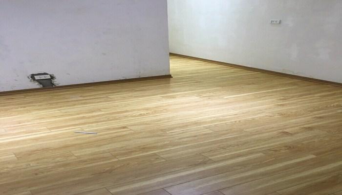 ván sàn nhựa pl1111 cao cấp, thanh lý sàn nhựa hèm khóa spc PL1111, báo giá sàn nhựa cao cấp vinyl,