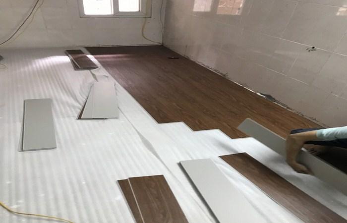 các cách thi công sàn nhựa giả gỗ, dịch vụ làm sàn nhựa giá rẻ hà nội, nhược điểm sàn nhựa giả gỗ,