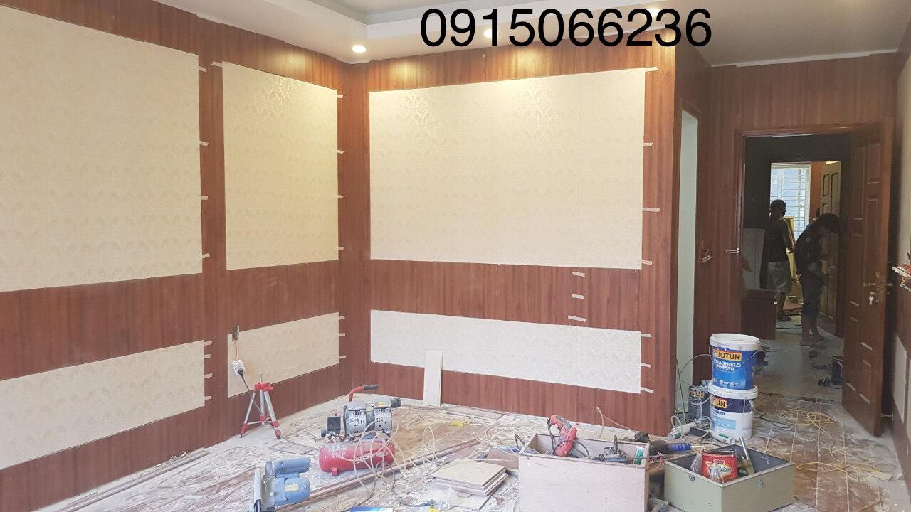 cách ốp tường nhựa vân gỗ, báo giá thi công ốp tường nhựa giả gỗ,