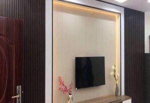 Báo giá ốp tường nhựa  vân gỗ – Cách thi công ốp tường gỗ